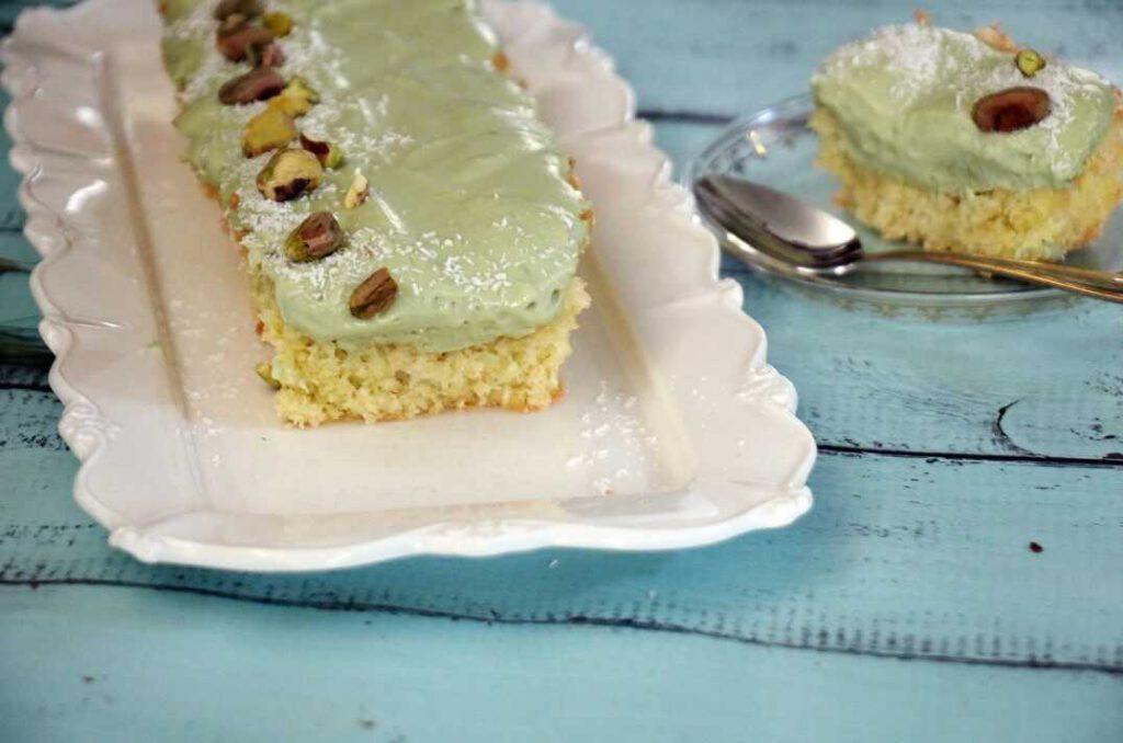 עוגת קוקוס וקרם פיסטוק ללא גלוטן