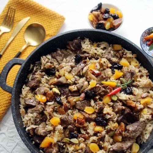 קדירת בשר אורז ופירות יבשים