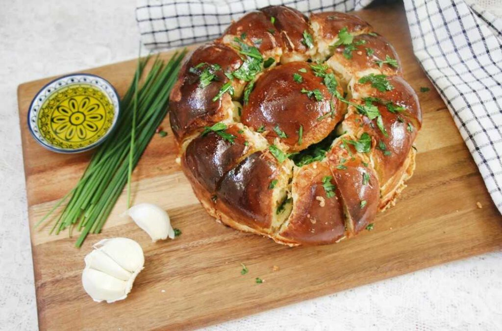 לחם גבינות ושום נתלש