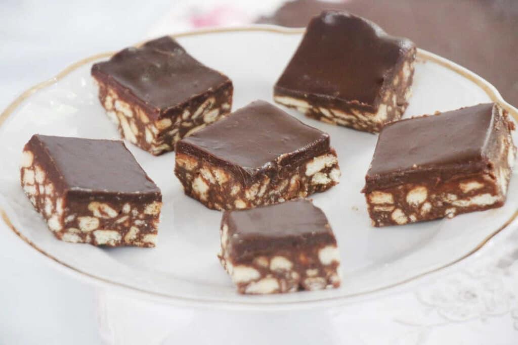 עוגת כדורי שוקולד מ-3 מצרכים