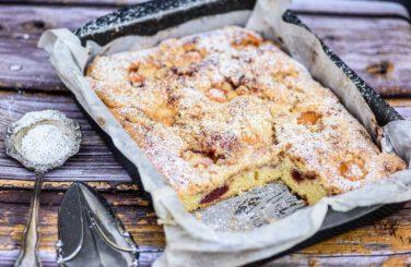עוגת מישמשים וקרמבל פרווה