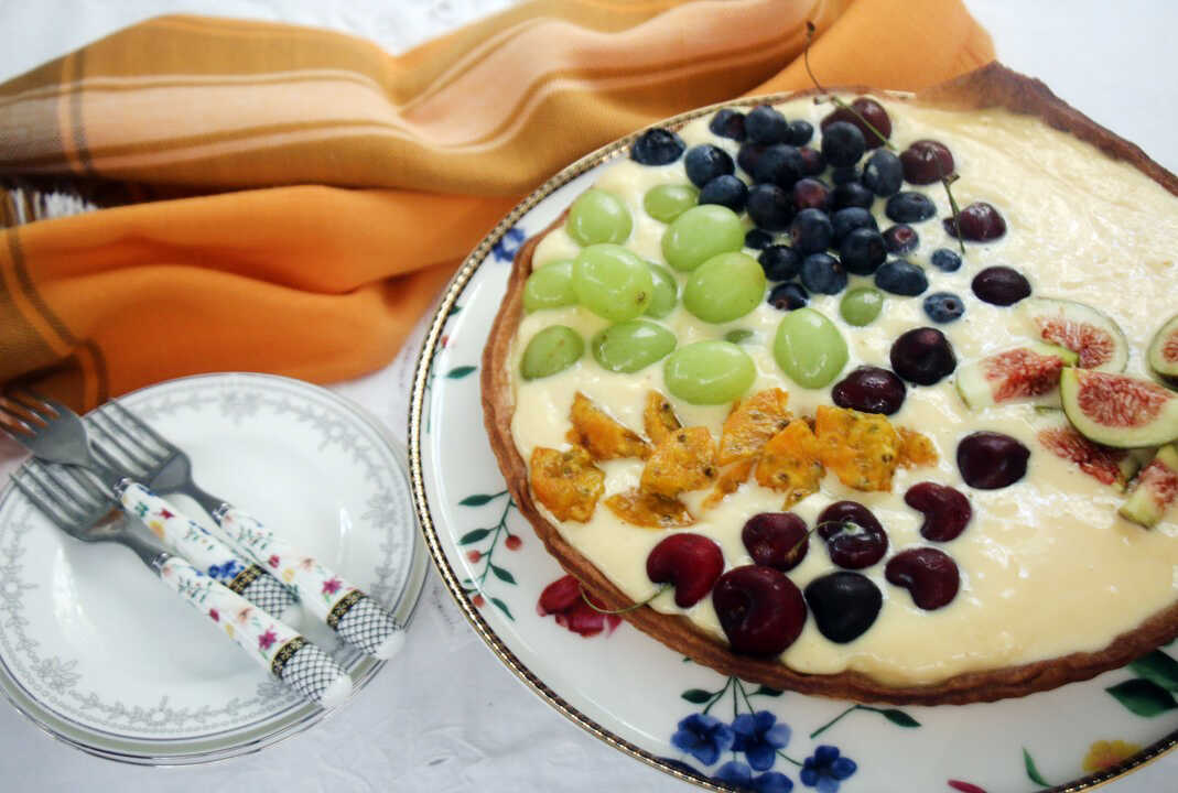 טארט קרם פטיסייר ופירות קייצי