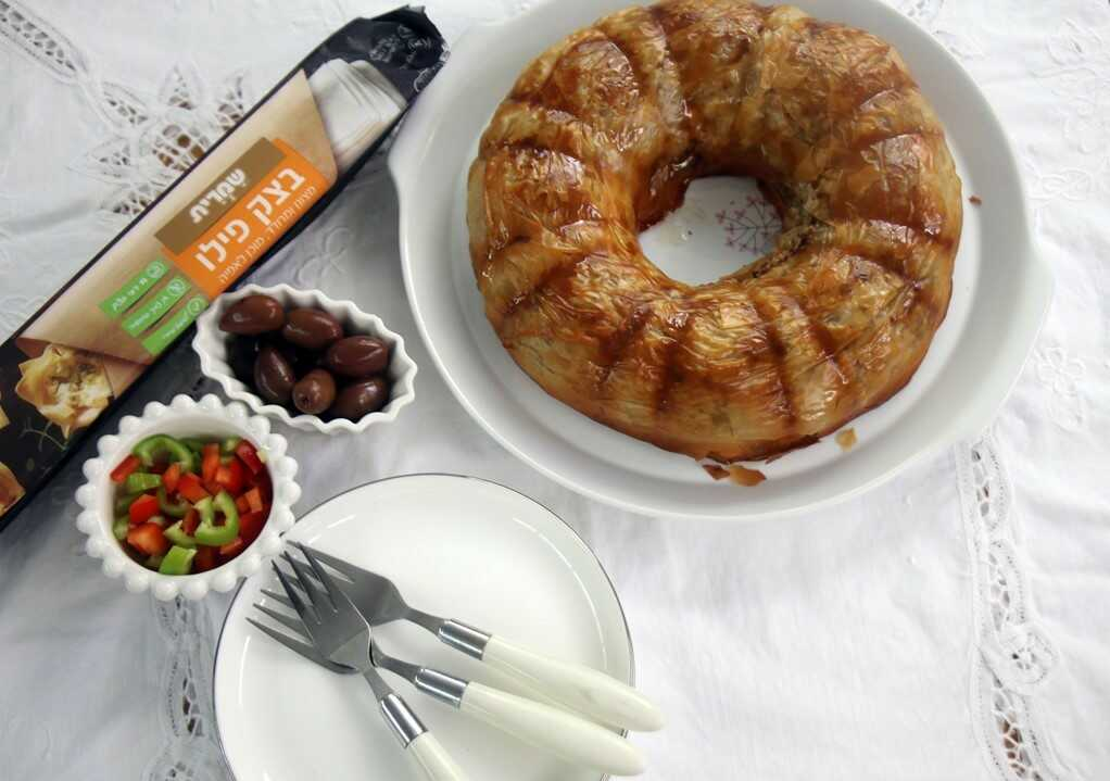 עוגת בצק פילו עם בשר