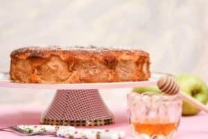 עוגת דבש ותפוחים חגיגית לראש השנה