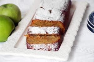 עוגת תפוחים וגזר מקמח כוסמין