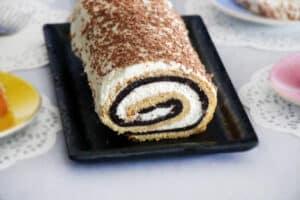 עוגת רולדה בשני צבעים